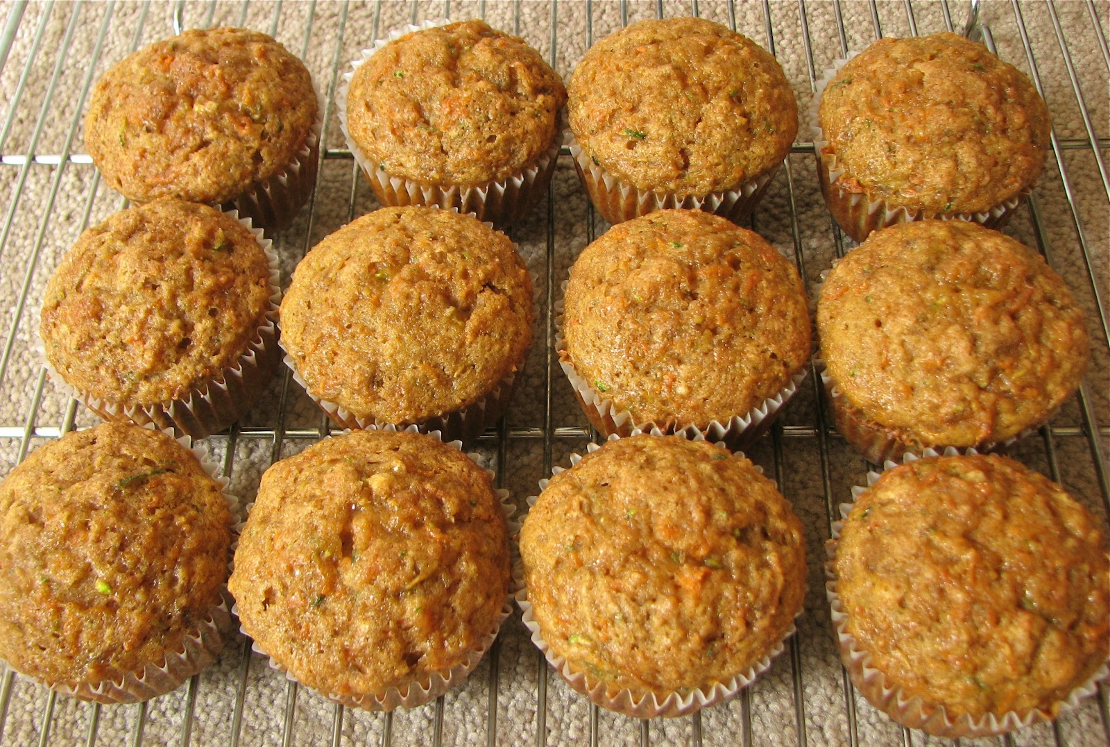 Delectably Mine: Zucchini, Carrot, and Banana Muffins