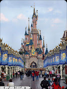 Happy Travel : Disneyland Paris is a holiday and recreation resort (disneyland parisdisneyland paris)