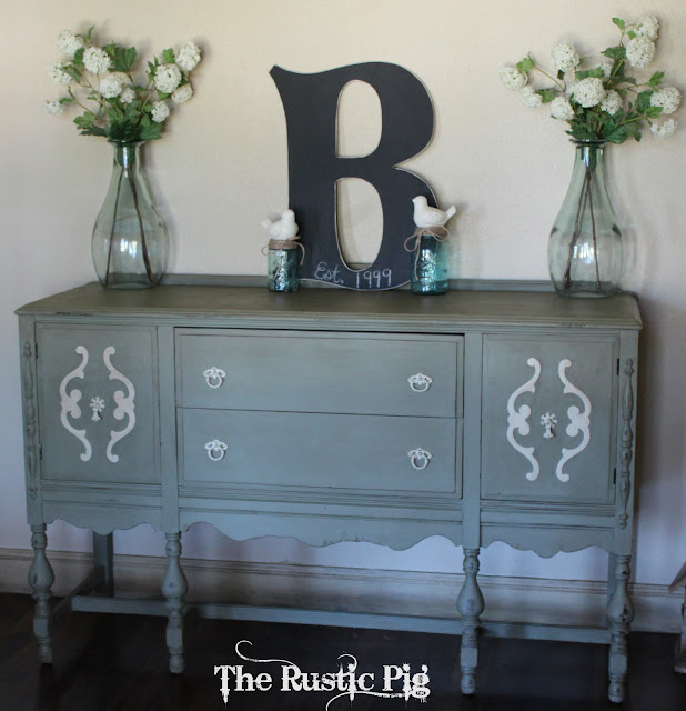 buffet5 Painting furniture makeovers {Newbie with a twist party started}