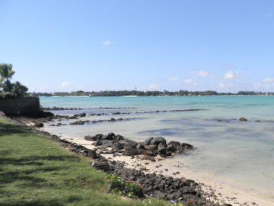 La plage et le lagon bleu turquoise de GRand Baie