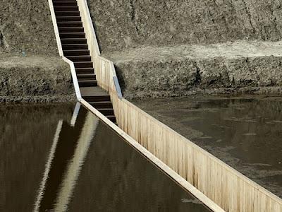 Insolito puente en Paises Bajos