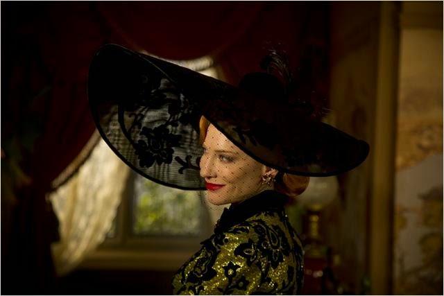 Cate Blanchett, intérprêtant Lady Tremaine, la belle-mère