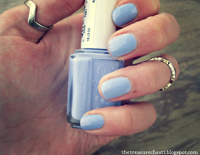 essie bikini so teeny swatch nails nail art rings