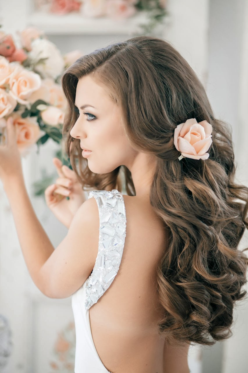 Idées de coiffures de mariage pour cheveux bruns