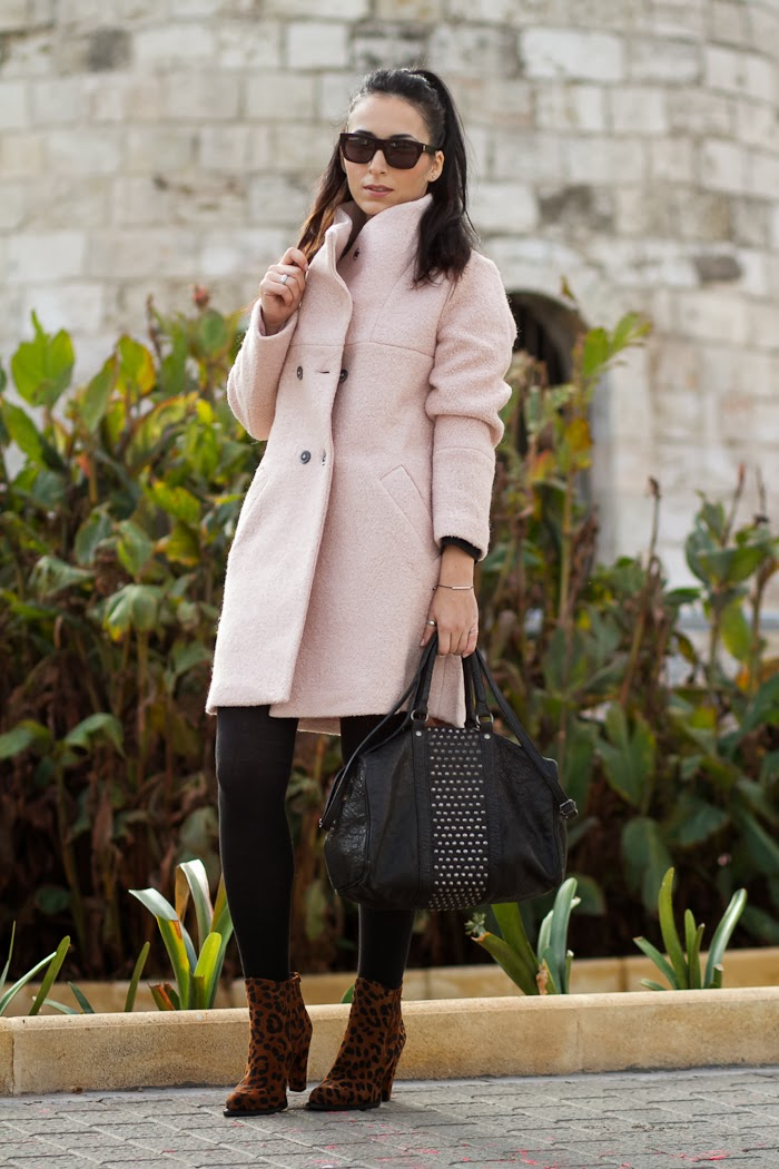Streetstyle look with Pink Coat and leopard ankle boots