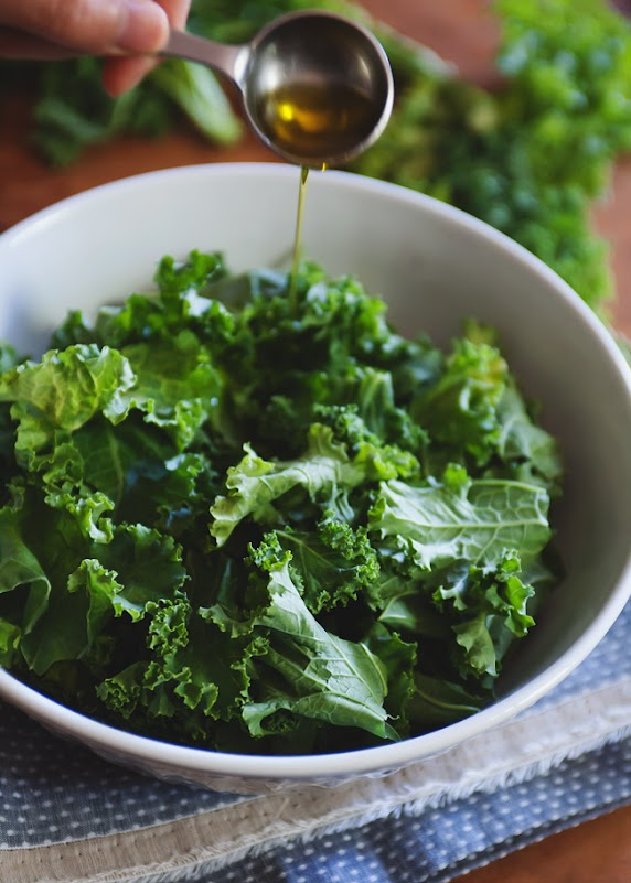 CUP OF JO: The Best Kale Chips (with a Secret Ingredient)