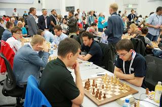 Le Français Maxime Vachier-Lagrave a annulé face au Polonais Radoslaw Wojtaszek lors de la ronde 8 - Photo © site officiel