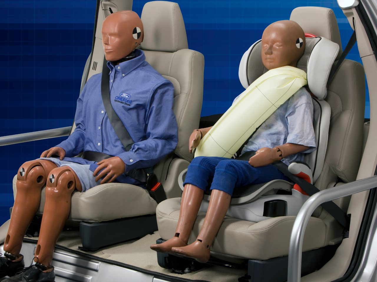 Ford Adds Rear Inflatable Safety Belts to 2014 Fusion