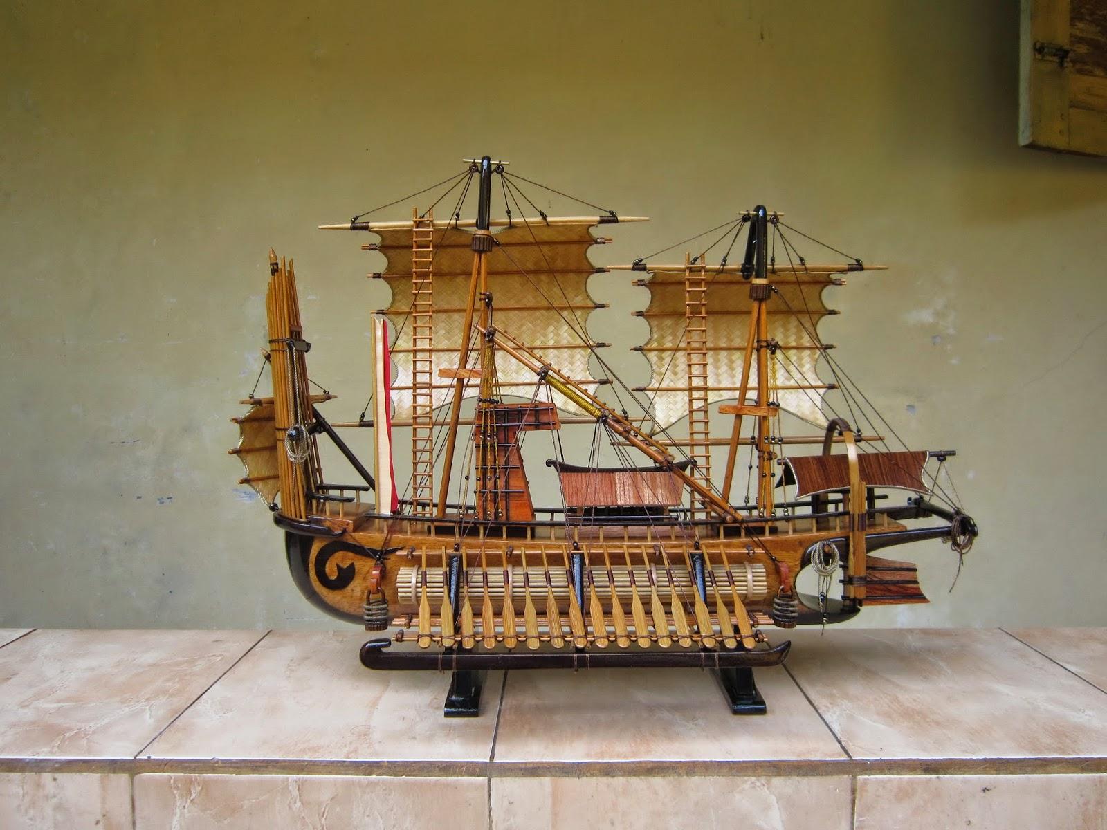 Miniatur kapal Layar Majapahit, miniatur kapal laut, miniatur kapal layar, miniatur kapal mojokerto, souvenir unik