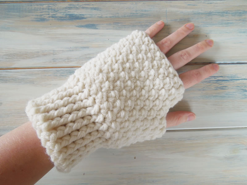Crocheting With Fingers : Happy Berry Crochet: How To - Crochet Finger-less Mitten Gloves
