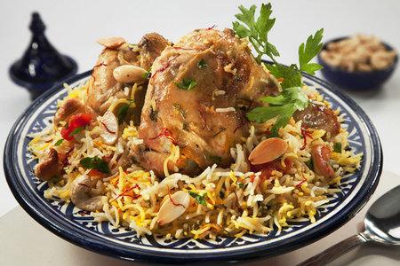 دجاج بالأرز الملون
