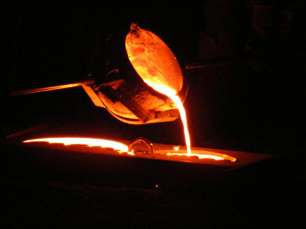 working the cast iron - Χυτευση