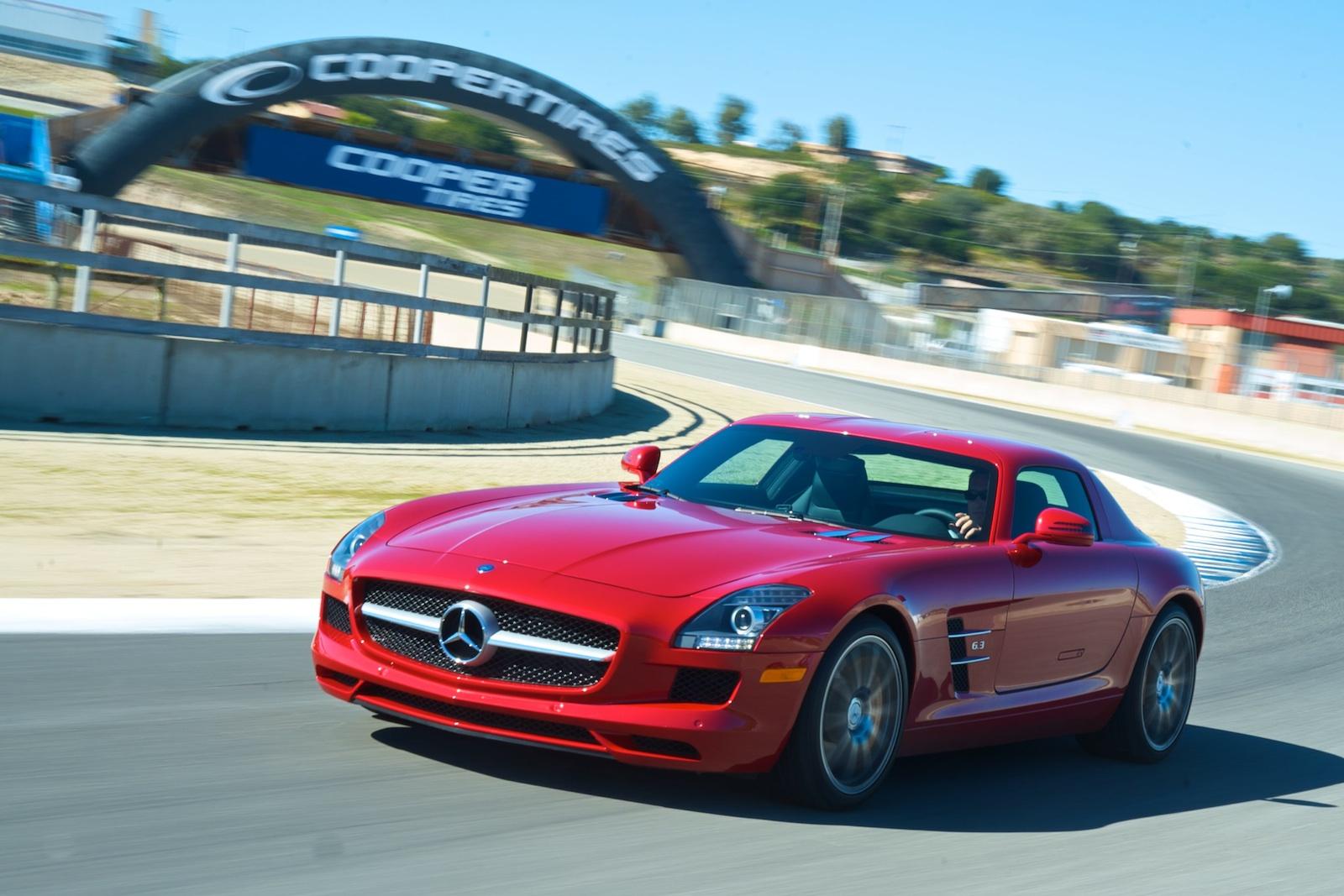 http://4.bp.blogspot.com/-KcKRUA7otT4/TrEjghaBt_I/AAAAAAAAFhI/WMOBL70zgqc/s1600/Mercedes+SLS+AMG+1.jpg