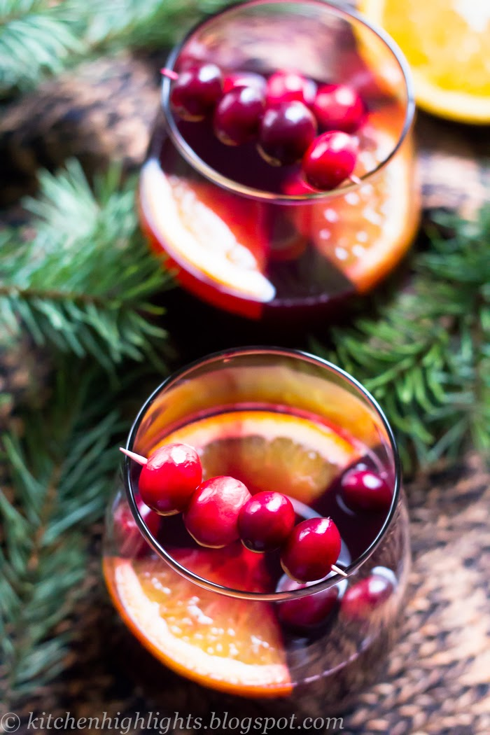 This sweet, spiced red wine infused with oranges and cranberries, releases warm aromas of cinnamon and cloves