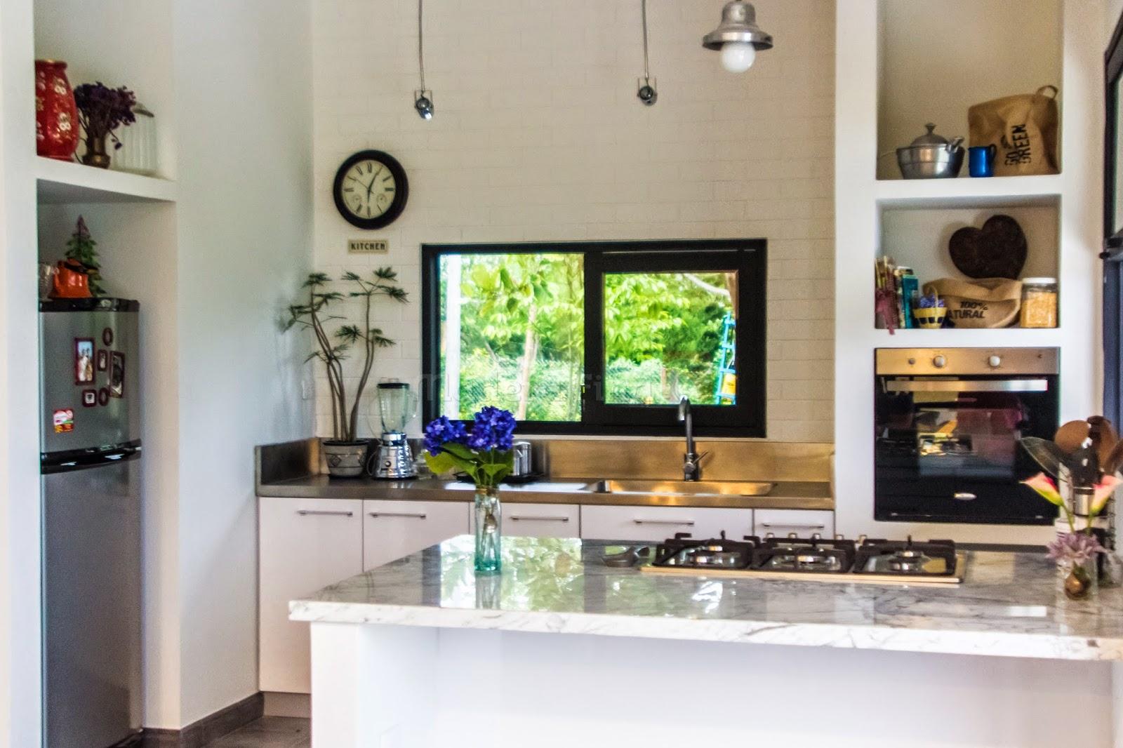 Cocina moderna blanca cocinas integrales en pereira for Cocina moderna gastronomia