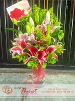 buket bunga, rangkaian bunga meja, bunga ulang tahun, bunga ucapan selamat, toko karangan bunga, toko bunga jakarta, toko bunga, buket bunga casablanca merah