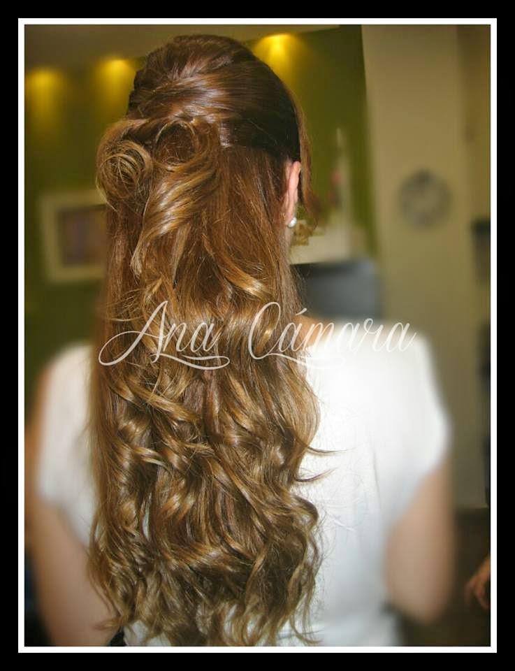 Peinado ondulado con cogido alto y puntas sueltas