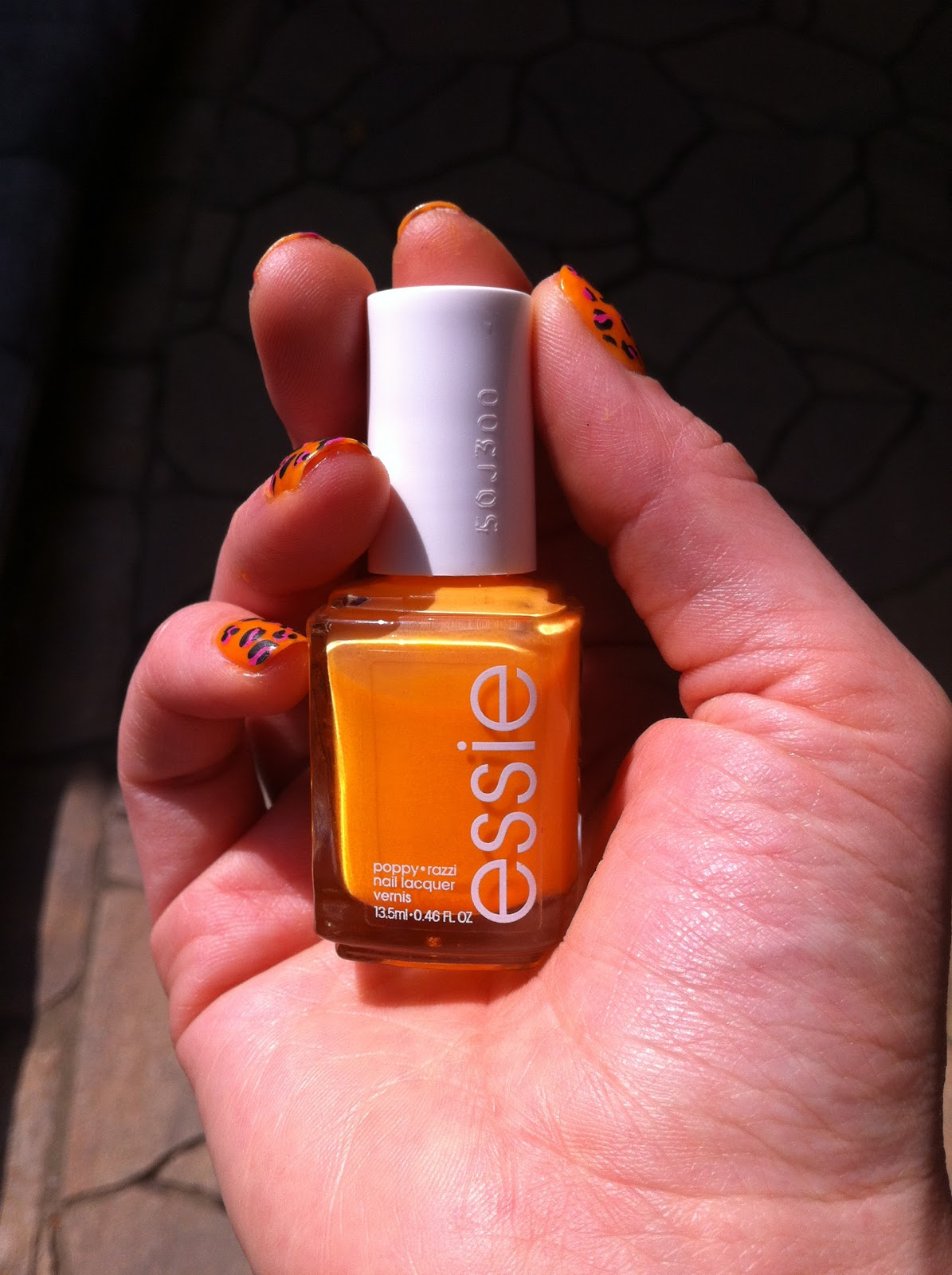 Poppy-razzi essie neons collection