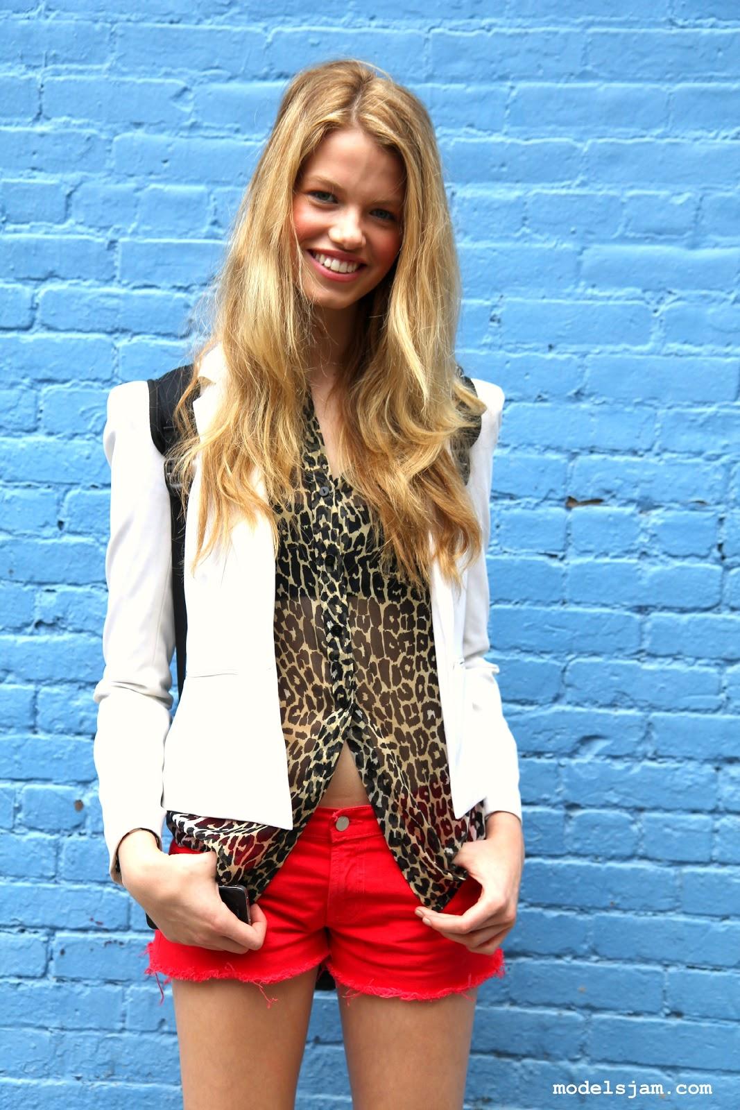 Models Jam Hailey Clauson After Dkny New York September