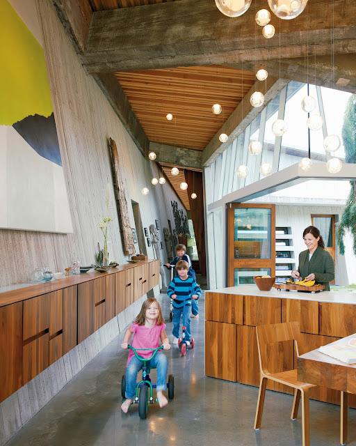 modernes Haus-Design mit innovativen Lampen und Leuchten