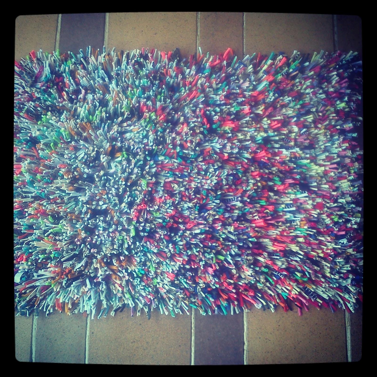 Manualidades trapillo alfombra trapillo con nudos - Como hacer alfombras de nudos ...