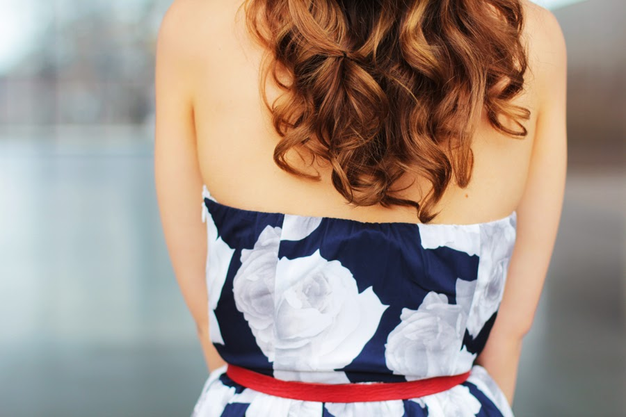OUTFIT BACK DETAIL FASHION