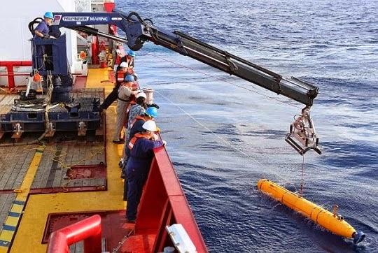 bangkai pesawat mh370, pesawat mh370 hilang, mh370, pesawat mh370 ditemui, bangkai pesawat mh370 dijumpai, mh370 ditemui, serpihan pesawat mh370 ditemui, serpihan pesawat mh370