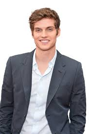 What is the height of Daniel Sharman?