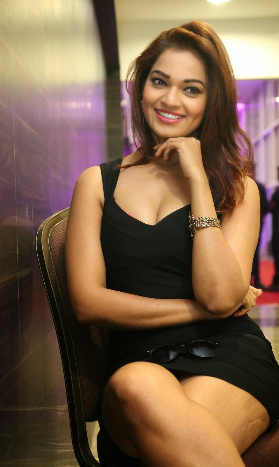 Ashwi hot photos