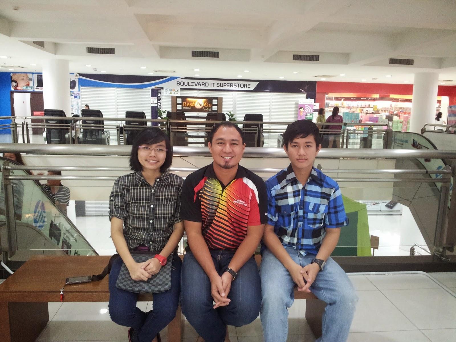 Misi Bintang Mencari Bintang : Cikgu Hailmi bersama Reemy dan Jasmine