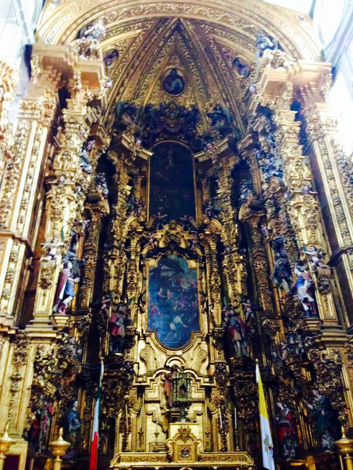 espagnol qui construit sa cathédrale