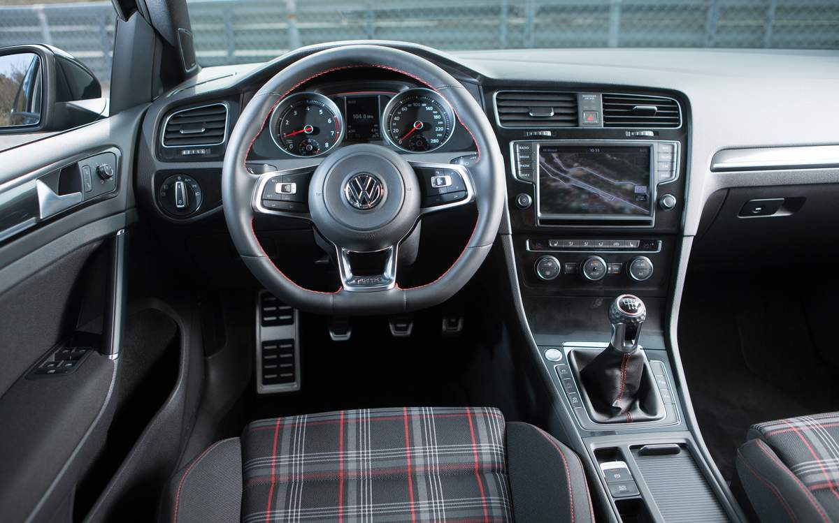 Volkswagen Golf GTi 2014 - interior