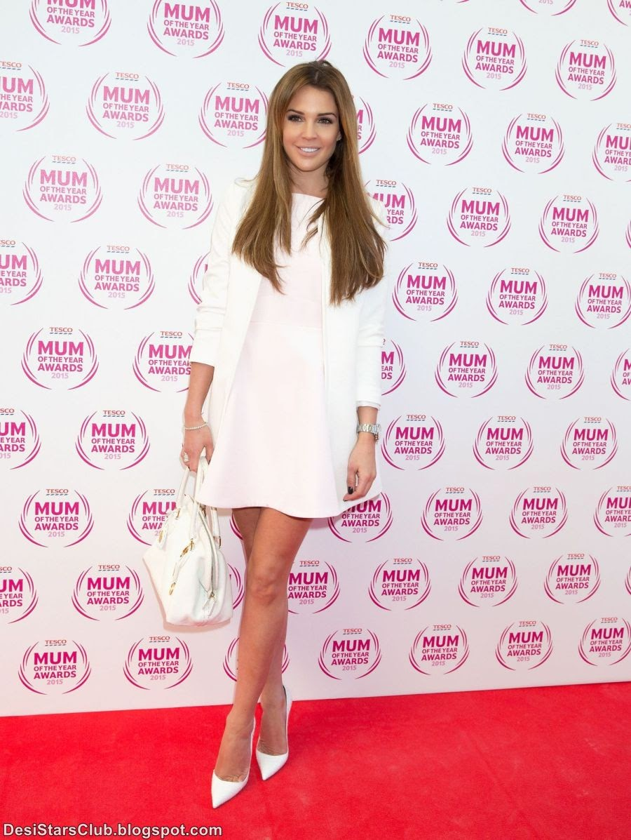 Danielle Lloyd Looks Gorgeous in Short Dress at Tesco Mum Of The Year Awards 2015