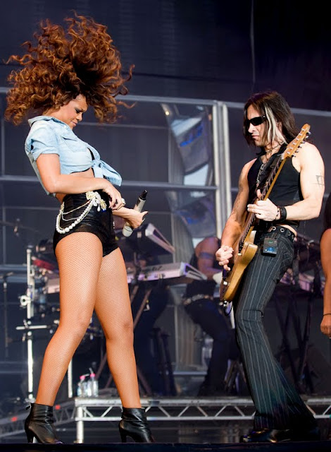 Rihanna Performs at V Music Festival in Hyland Park