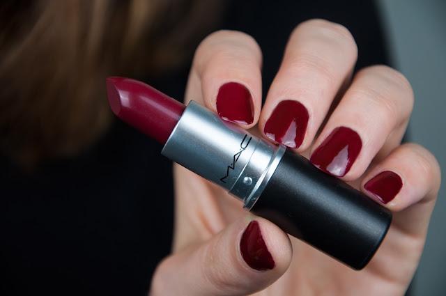 MACnificent me! Diva Antics Lipstick