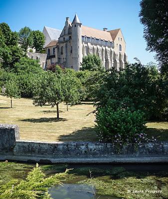 Abbaye Saint-Séverin 1151-1790, Château-Landon © Laura Prospero