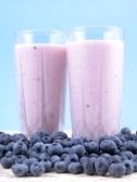 A blueberry smoothie is great for lunch or breakfast