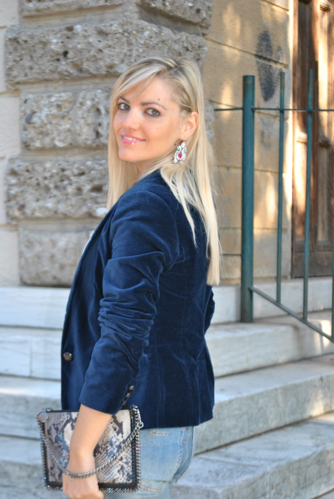 Célèbre Color-Block By FelyM.: OUTFIT: SKINNY JEANS AND BLUE VELVET BLAZER  HX77
