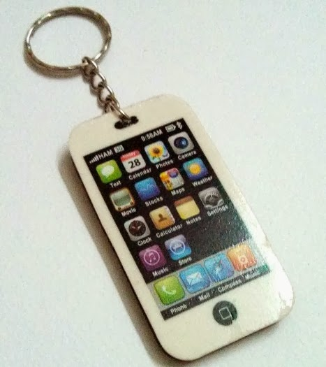 http://creativekhadija.com/2014/02/iphone-keyring-making/