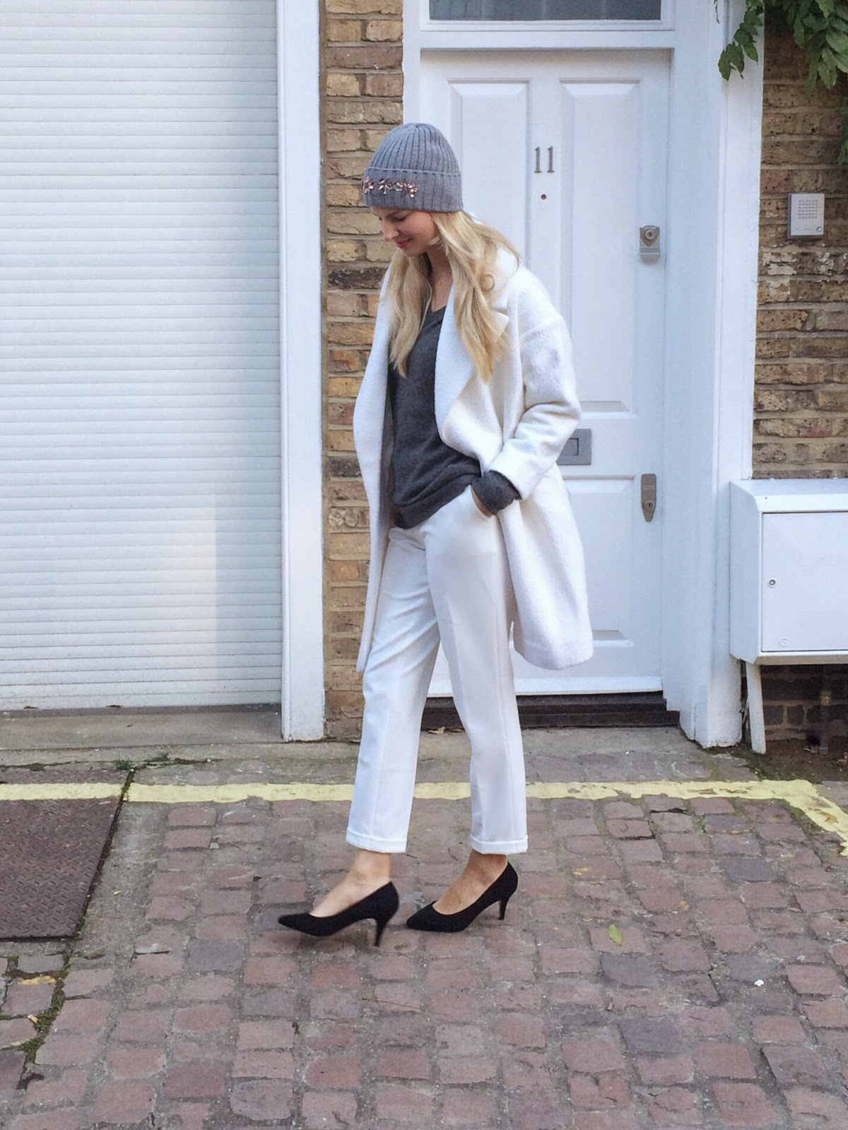 street style london, winter staples, winter look, lookbook, london winter look, asos slim leg trousers, black heels, kurt geiger black heels