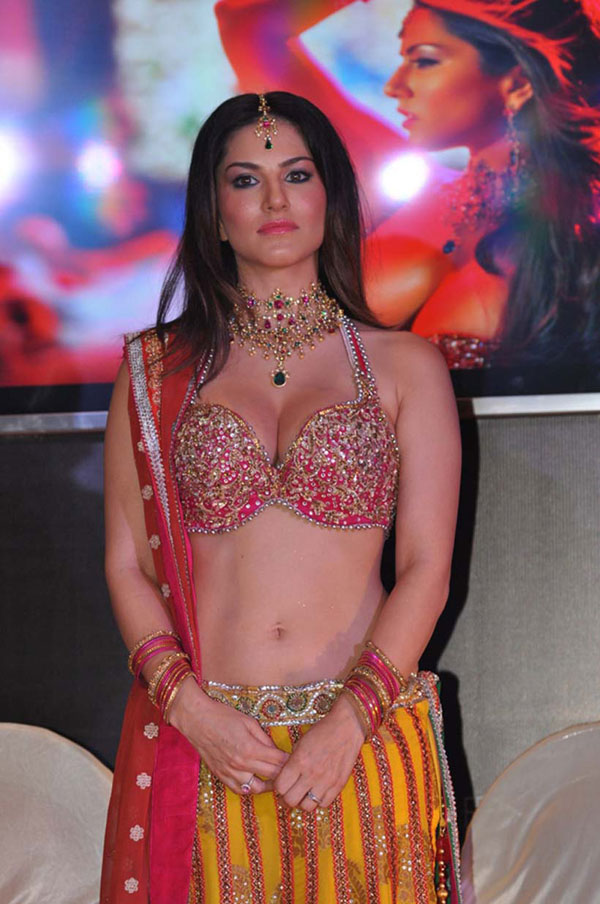 Sunny Leone's Photos - Hot Red Ghagra Choli Styles indian dress hd hot ...