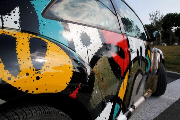 graffiti volkswagen beetle  pics curious funny  pictures