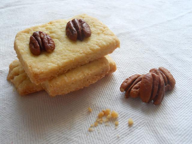 biscotti all'olio d'oliva e noci pecan