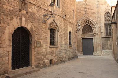 Carrer de la Pietat inside the Barcelona Gothic Quarter