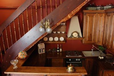 Cocinas bajo los escaleras decorando mejor for Mini bar debajo de escaleras