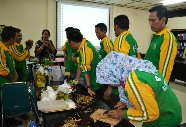 Pelatihan HHBK Mangrove kepada Kelompok Tani Masyarakat dari Kutai Kartanegara