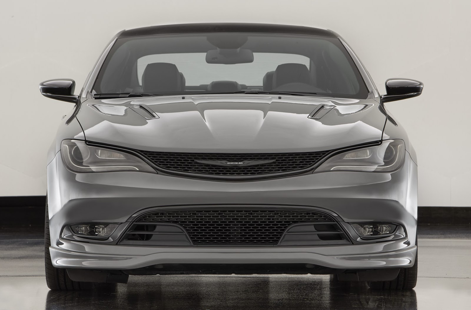 Chrysler Gives 200 S A Mopar Style Attitude Adjustment