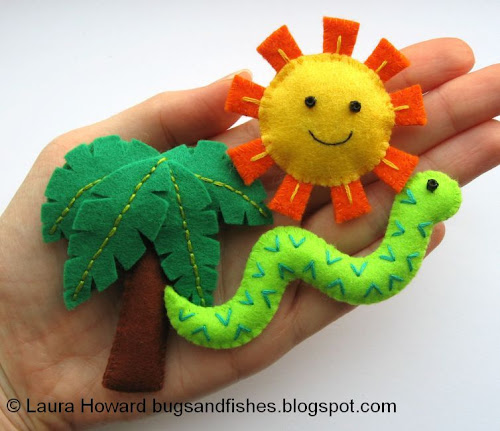 http://bugsandfishes.blogspot.com/2013/09/how-to-make-mini-felt-snake.html