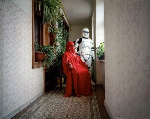 17-Austrian-Freelance-Photographer-Klaus-Pilcher-What-to-do-Between-Halloweens-www-designstack-co