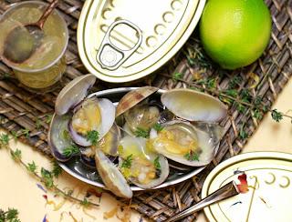 Cloïsses a la farigola, amb gelée d'aigua de mar amb cítrics i vodka -  La Cuina de l'Eri